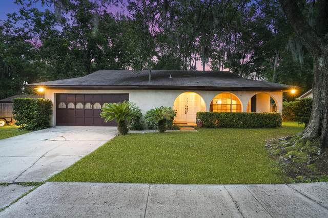 4949 Lofty Pines Cir E, Jacksonville, FL 32210 (MLS #1063826) :: The Perfect Place Team