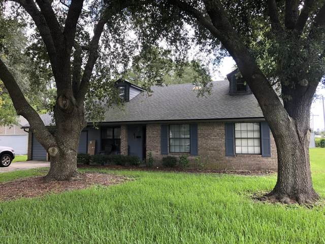 577 Robert Livingston St, Orange Park, FL 32073 (MLS #1064932) :: The Hanley Home Team