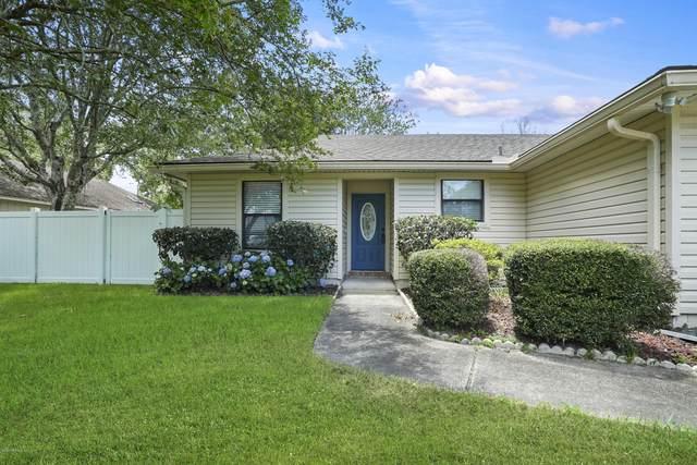 10336 Elderberry Dr, Jacksonville, FL 32257 (MLS #1064955) :: The Hanley Home Team