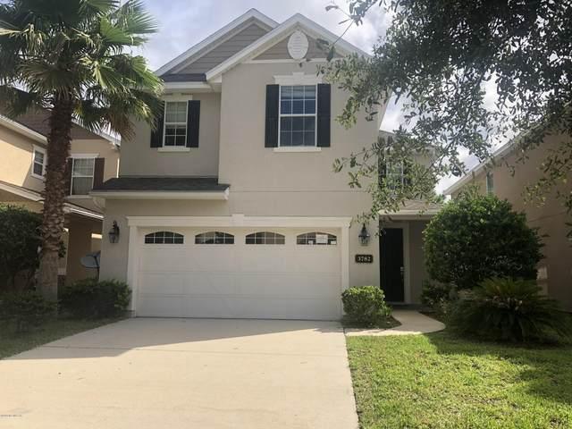 3782 Chasing Falls Rd, Orange Park, FL 32065 (MLS #1065029) :: The Hanley Home Team