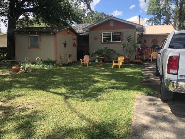 872 Lake Shore Ter, Interlachen, FL 32148 (MLS #1065250) :: EXIT Real Estate Gallery