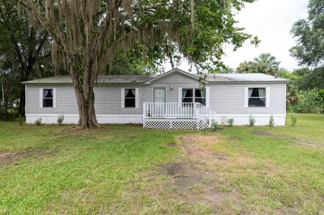 121 Joyce Ln, East Palatka, FL 32131 (MLS #1065687) :: The Volen Group, Keller Williams Luxury International