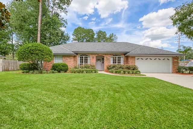 12205 Frostwood Ct, Jacksonville, FL 32223 (MLS #1065753) :: The Hanley Home Team