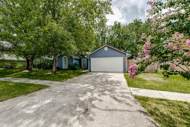 8938 Rose Hill Dr S, Jacksonville, FL 32221 (MLS #1067060) :: CrossView Realty