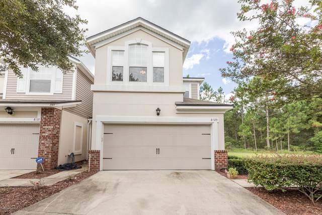8725 Ribbon Falls Ln, Jacksonville, FL 32244 (MLS #1067073) :: The Hanley Home Team