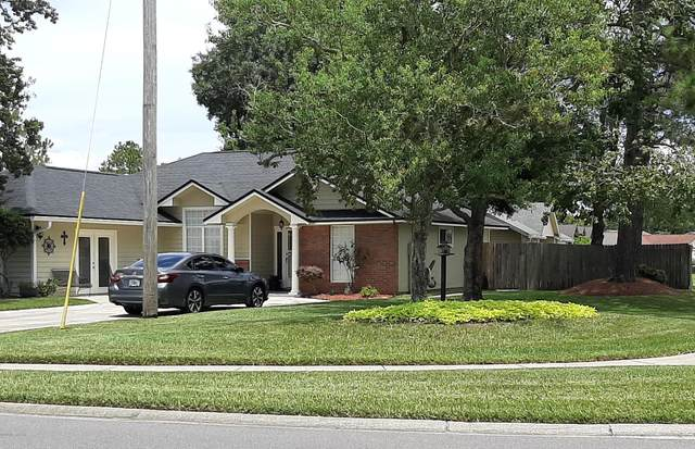2082 Farm Way, Middleburg, FL 32068 (MLS #1067293) :: The Newcomer Group
