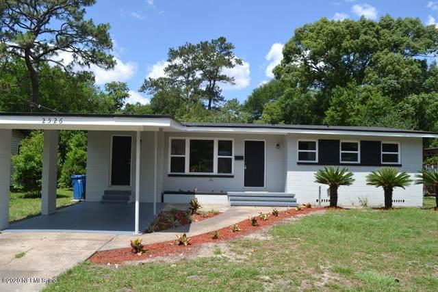 2526 Pine Summit Dr E, Jacksonville, FL 32211 (MLS #1067327) :: Oceanic Properties