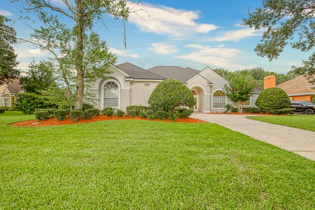 8205 Bay Tree Ln, Jacksonville, FL 32256 (MLS #1068554) :: The Impact Group with Momentum Realty