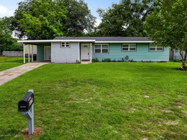 6879 Snow White Dr, Jacksonville, FL 32210 (MLS #1069425) :: Berkshire Hathaway HomeServices Chaplin Williams Realty