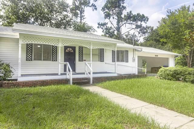 869 W 12TH St, St Augustine, FL 32084 (MLS #1069671) :: Memory Hopkins Real Estate