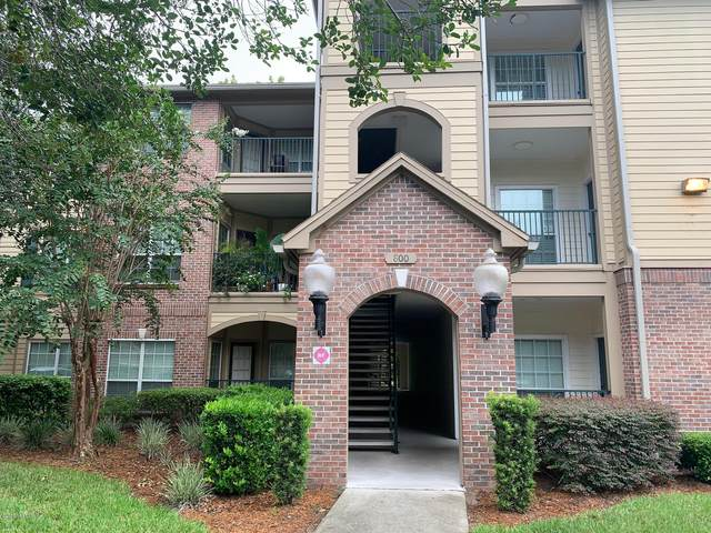7800 Point Meadows Dr #814, Jacksonville, FL 32256 (MLS #1069901) :: Memory Hopkins Real Estate