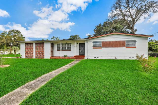 6221 Regiment Dr, Jacksonville, FL 32277 (MLS #1070108) :: Homes By Sam & Tanya