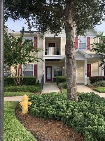 575 Oakleaf Plantation Pkwy #1402, Orange Park, FL 32065 (MLS #1070327) :: Oceanic Properties