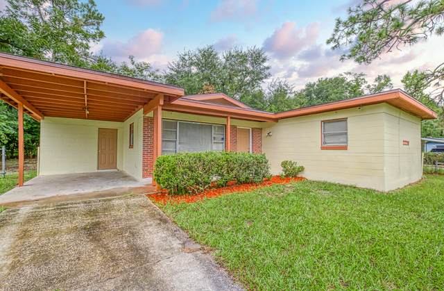 2220 Eudine Dr W, Jacksonville, FL 32210 (MLS #1071121) :: The DJ & Lindsey Team