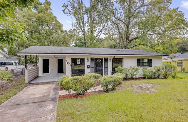 1209 Ribault River Dr, Jacksonville, FL 32208 (MLS #1071599) :: The DJ & Lindsey Team