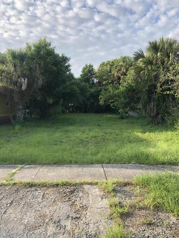 916 3RD Ave S, Jacksonville Beach, FL 32250 (MLS #1071742) :: The Perfect Place Team