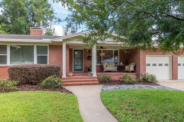 4444 Worth Dr E, Jacksonville, FL 32207 (MLS #1072091) :: Homes By Sam & Tanya