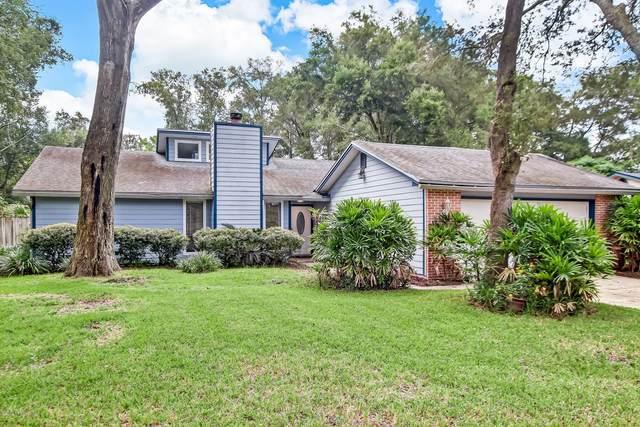 13767 Pleasantview Dr N, Jacksonville, FL 32225 (MLS #1072500) :: The Hanley Home Team