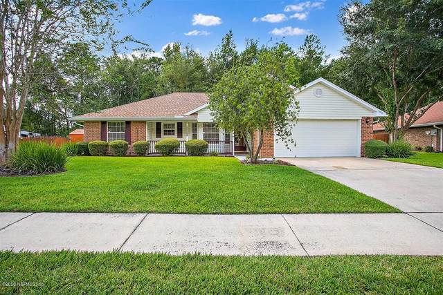 10450 Mcgirts Creek Dr, Jacksonville, FL 32221 (MLS #1072927) :: The DJ & Lindsey Team
