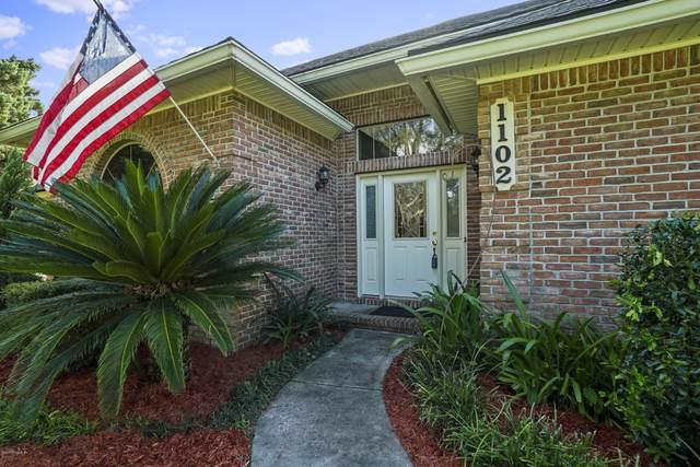 1102 Pebble Ridge Dr, Jacksonville, FL 32220 (MLS #1073002) :: The Volen Group, Keller Williams Luxury International