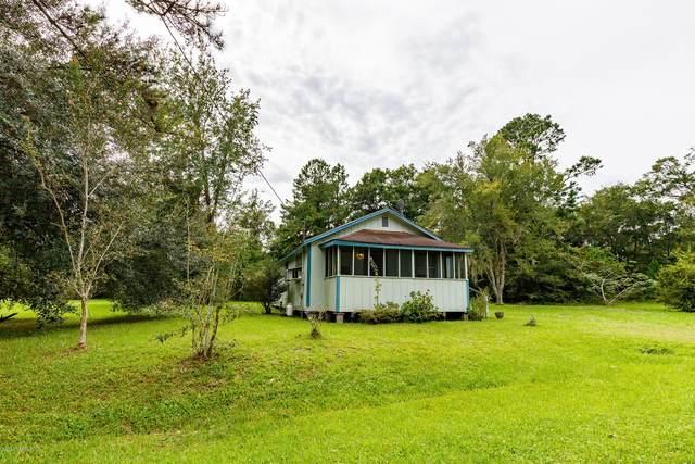 37682 Oxford St, Hilliard, FL 32046 (MLS #1073678) :: Homes By Sam & Tanya