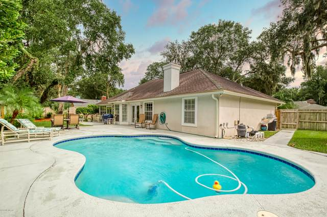 2357 Oak Forest Dr, Jacksonville Beach, FL 32250 (MLS #1073882) :: Homes By Sam & Tanya