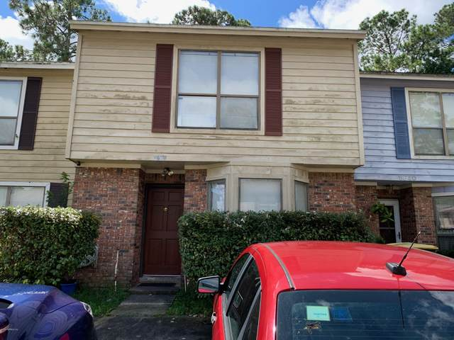 5638 Bennington Dr, Jacksonville, FL 32244 (MLS #1073955) :: Berkshire Hathaway HomeServices Chaplin Williams Realty
