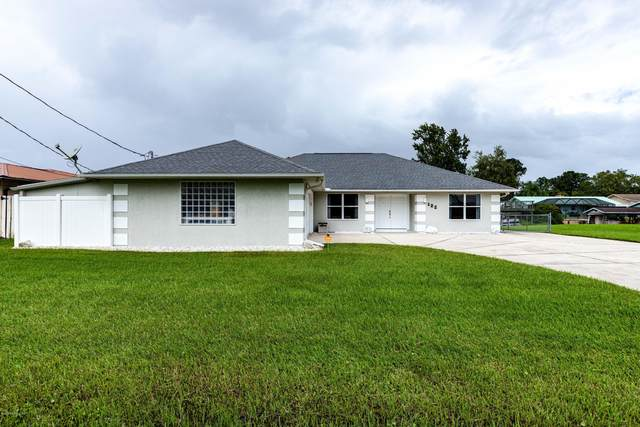 122 Palm Trl, East Palatka, FL 32131 (MLS #1074005) :: The Hanley Home Team