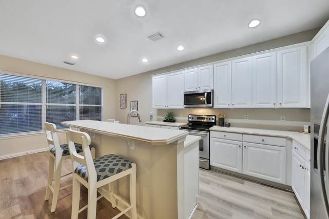 3956 Highgate Ct, Jacksonville, FL 32216 (MLS #1074204) :: Bridge City Real Estate Co.