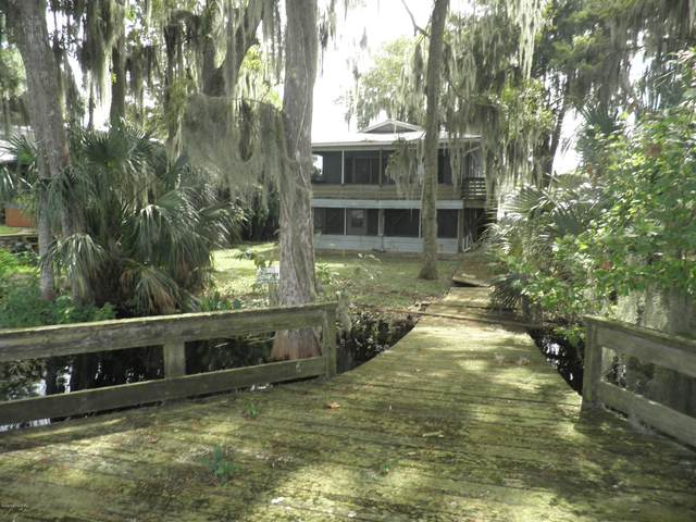 208 S Hayes Ave, Crescent City, FL 32112 (MLS #1076809) :: The Volen Group, Keller Williams Luxury International