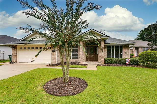 11918 Collins Creek Dr, Jacksonville, FL 32258 (MLS #1077450) :: Memory Hopkins Real Estate