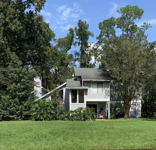 2605 Spreading Oaks Ln, Jacksonville, FL 32223 (MLS #1078088) :: Homes By Sam & Tanya