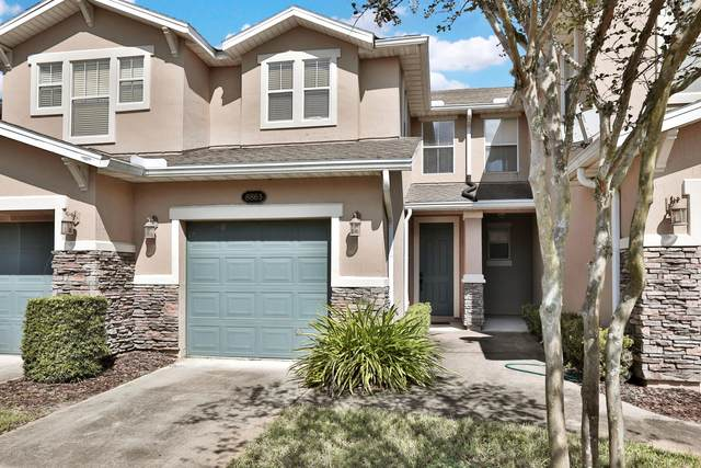 8863 Shell Island Dr, Jacksonville, FL 32216 (MLS #1078094) :: The Impact Group with Momentum Realty