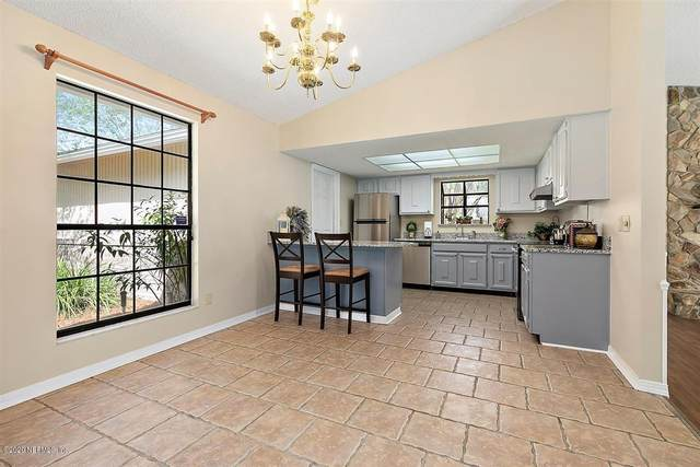 12265 E Governors Dr, Jacksonville, FL 32223 (MLS #1078308) :: The Impact Group with Momentum Realty