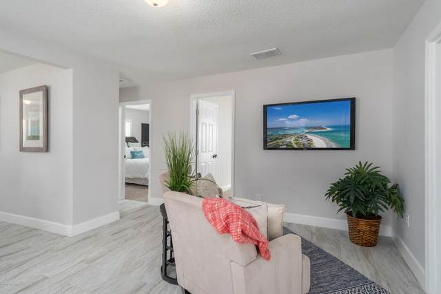 7942 Galveston Ave, Jacksonville, FL 32211 (MLS #1078604) :: The Newcomer Group