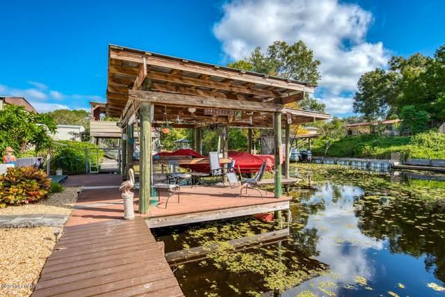 136 Riverside Ave, Satsuma, FL 32189 (MLS #1079010) :: Memory Hopkins Real Estate