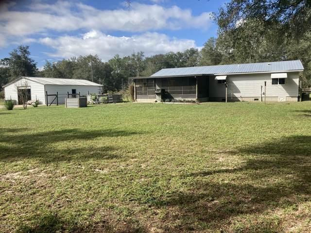 114 Lee Ave, Interlachen, FL 32148 (MLS #1079662) :: Homes By Sam & Tanya