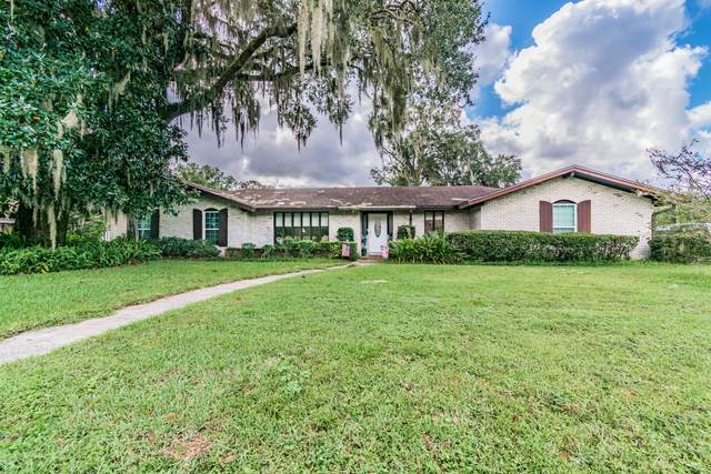 2836 Village Grove Dr N, Jacksonville, FL 32257 (MLS #1079909) :: The Volen Group, Keller Williams Luxury International