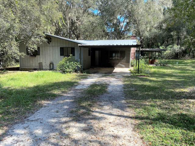 212 Dogwood Dr, Interlachen, FL 32148 (MLS #1080813) :: 97Park