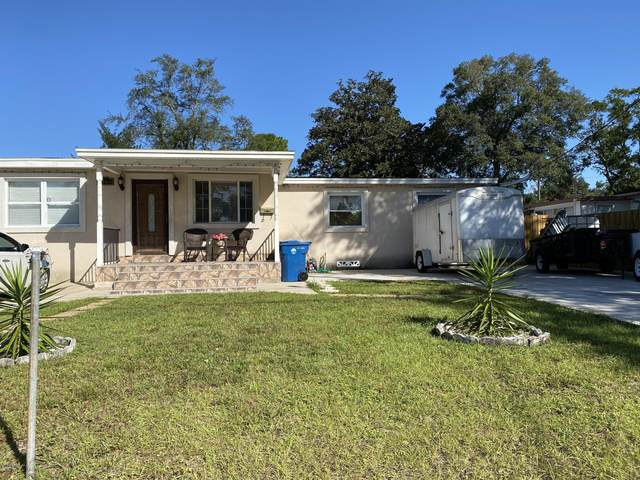 7145 Hielo Dr, Jacksonville, FL 32211 (MLS #1080845) :: The Impact Group with Momentum Realty