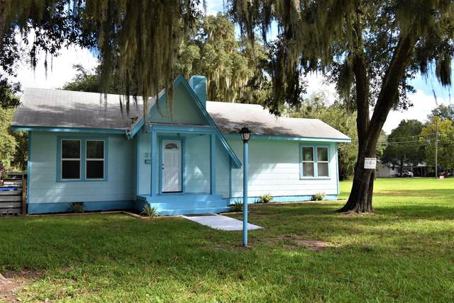 317 Chestnut St, Crescent City, FL 32112 (MLS #1080995) :: Oceanic Properties