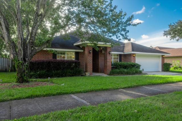 2456 Mallory Hills Rd, Jacksonville, FL 32221 (MLS #1081963) :: The Volen Group, Keller Williams Luxury International