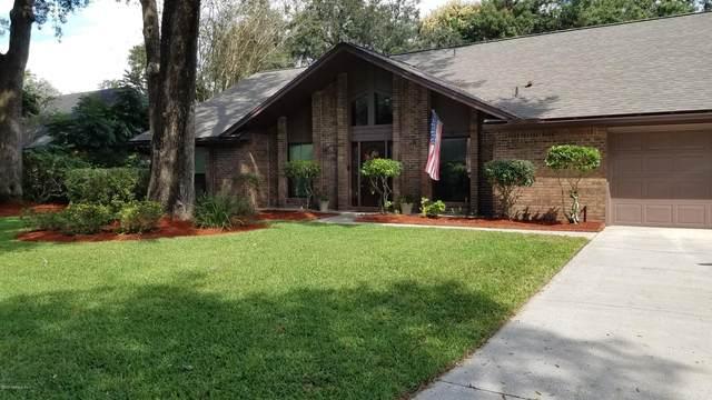 3327 Scrub Oak Ln, Jacksonville, FL 32223 (MLS #1081966) :: The Impact Group with Momentum Realty