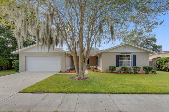4964 Lofty Pines Cir W, Jacksonville, FL 32210 (MLS #1082601) :: The DJ & Lindsey Team