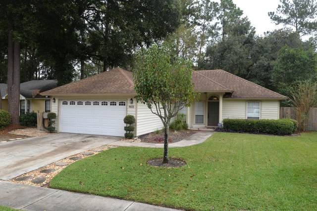 9655 Bayou Bluff Dr, Jacksonville, FL 32257 (MLS #1082638) :: The Impact Group with Momentum Realty