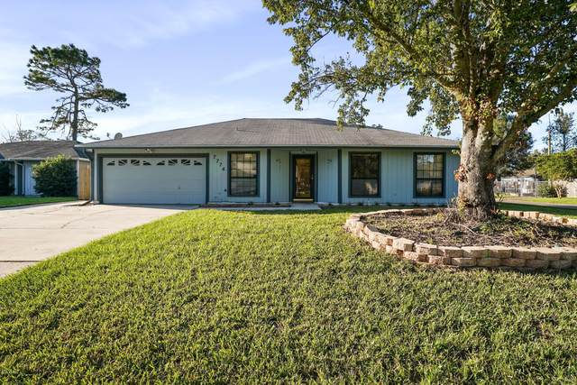 7774 Andes Dr, Jacksonville, FL 32244 (MLS #1083261) :: The Impact Group with Momentum Realty