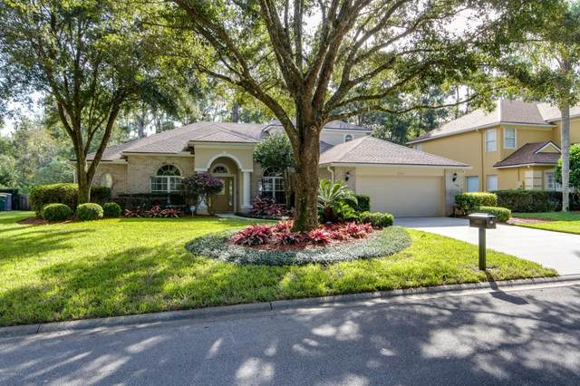 8693 Ethans Glen Ter, Jacksonville, FL 32256 (MLS #1084200) :: The Newcomer Group