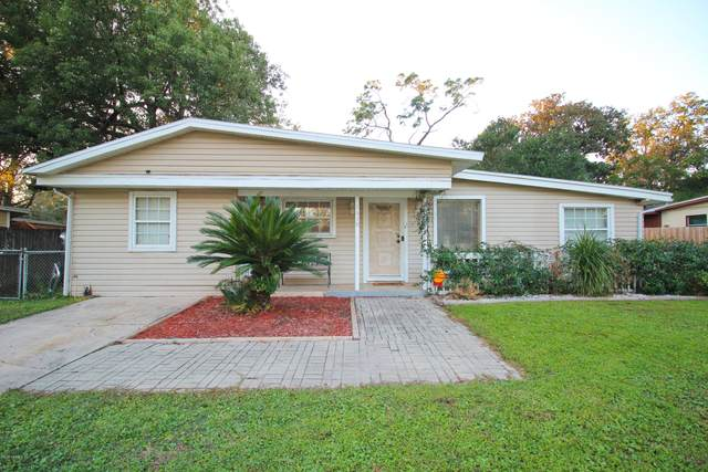 1650 Louvre Dr, Jacksonville, FL 32221 (MLS #1084335) :: The Impact Group with Momentum Realty