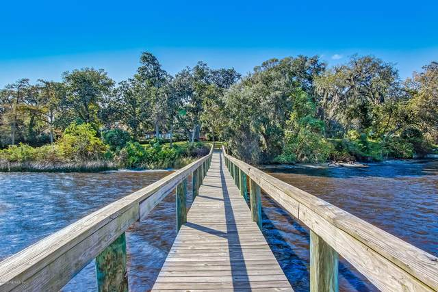 4987 River Point Rd, Jacksonville, FL 32207 (MLS #1084351) :: Homes By Sam & Tanya