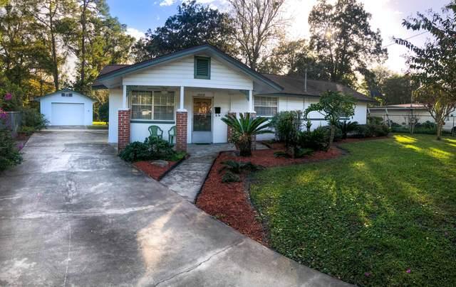 10316 Driftwood Rd, Jacksonville, FL 32246 (MLS #1084592) :: The Volen Group, Keller Williams Luxury International